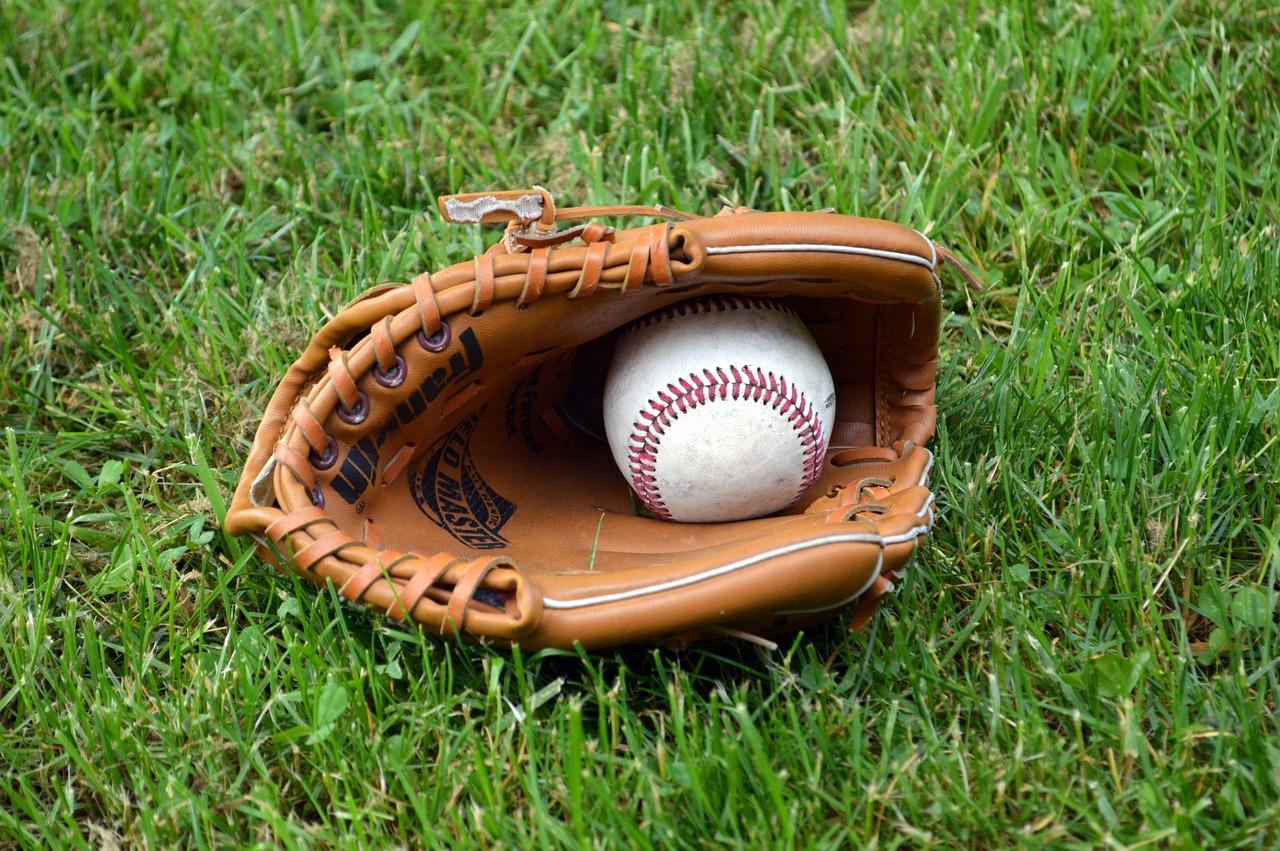 How to break in catcher's glove