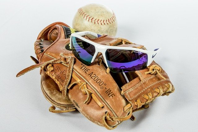 best sunglasses for young baseball players