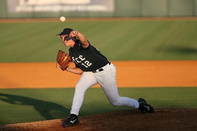 baseball long throw for arm strength